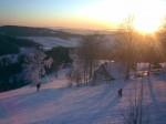Rokytnice - de laatste afdaling bij avondzon in Horni Domky