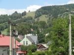 zicht richting het skicentrum van Cerny Dul met stoeltjesliften